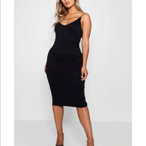 Plus Plunge Front Strap Detail Midi Dress black